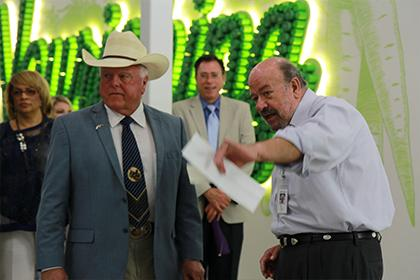 The Texas Commissioner of Agriculture Sid Miller visited the Food Bank for a tour